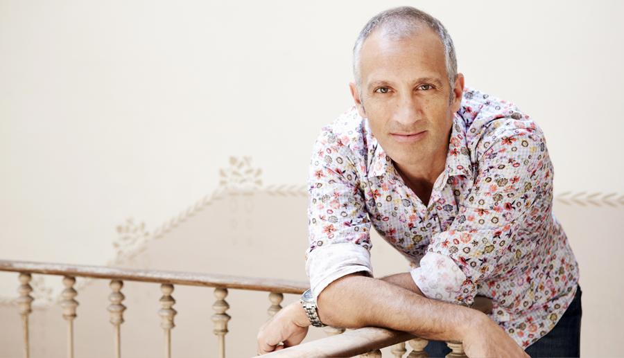 Diseñador de moda de alta costura. Xavier Gonzalvez